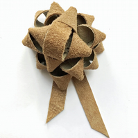 Leather gift bow - Soft tan suede
