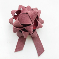 Leather gift bow - soft pink