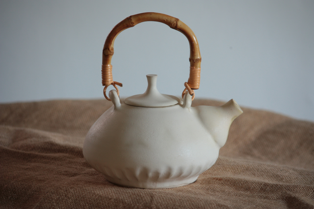 White teapot set  with rattan handle -wheel trown pottery.