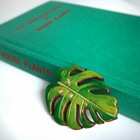 Brooch: Monstera Tropical Leaf, wooden laser cut