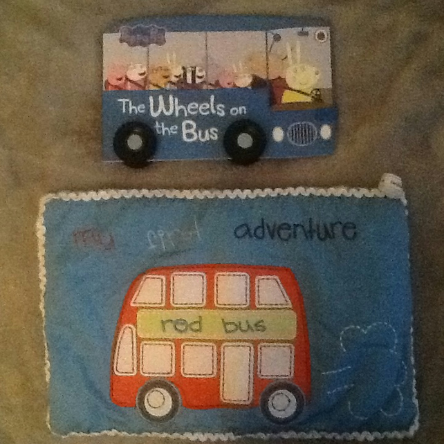 Snuggle blankie and book - Wheels on the Bus - Peppa Pig book