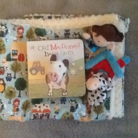 Snuggle blankie, book and puppets - Old McDonald
