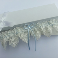 Something blue wedding garter, ivory venise lace garter with a pearl