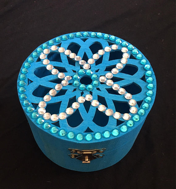 Gorgeous round Jewellery Box