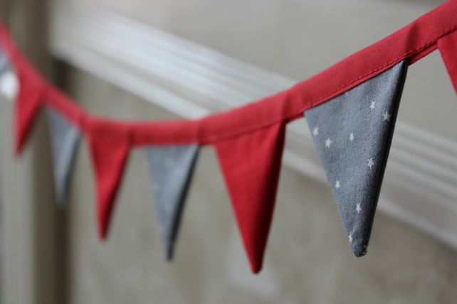 Mini Christmas Bunting - Red and Grey with White Stars