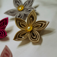 Handmade single flower brooch in cappuccino - the perfect gift for Mother's day