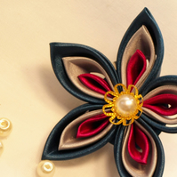 Handmade single flower brooch - the perfect gift for Mother's day