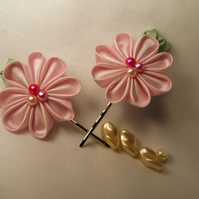 Handmade pale pink flower bobby pins (set of 2)