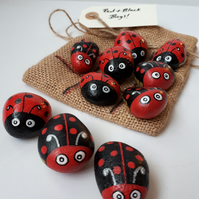 Travel game -  Hand Painted pebbles - Noughts & Crosses  - Red & Black bugs!