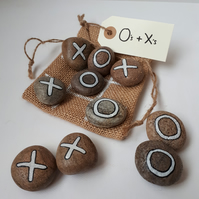 Travel game - Hand Painted pebbles - Noughts & Crosses