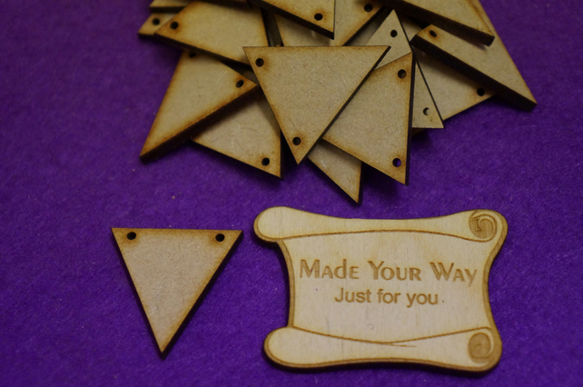 MDF Triangle Bunting two holes 3cm -40 x Laser cut wooden shape