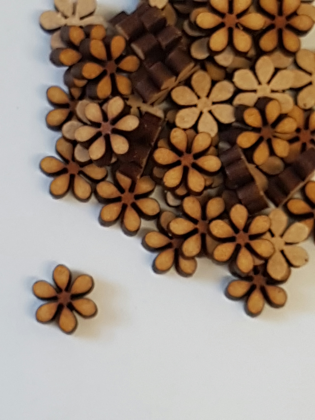 MDF Flower D 1cm - 50 x Laser cut wooden shape