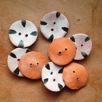 Tiger Buttons (manganese)