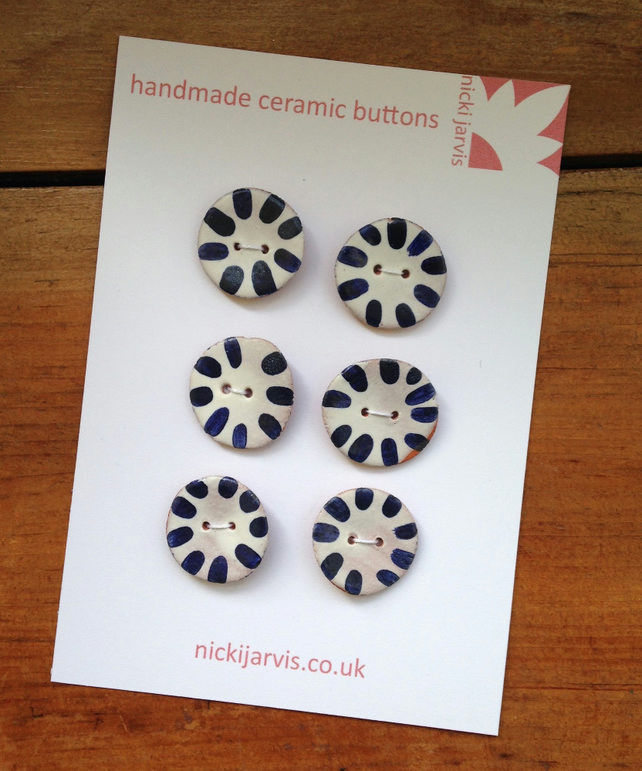 Sun Stripe buttons in cobalt blue