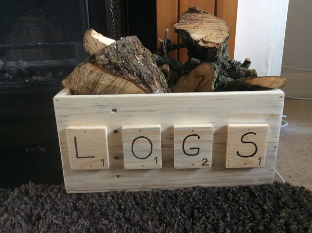 Fireside log box scrabble motifs