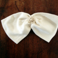 Ivory Silk Hair Bow, Vintage Button, bridal bow, flower girl bow, bridesmaid bow