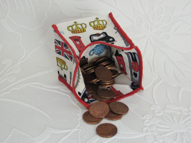 Coin Purse - Origami styled folding purse - London Features