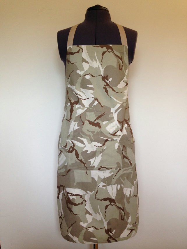 Apron Green Camouflage Light