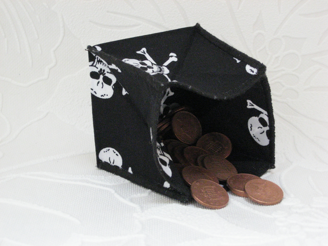Coin Purse - Origami styled folding purse - White Skulls Black Edge