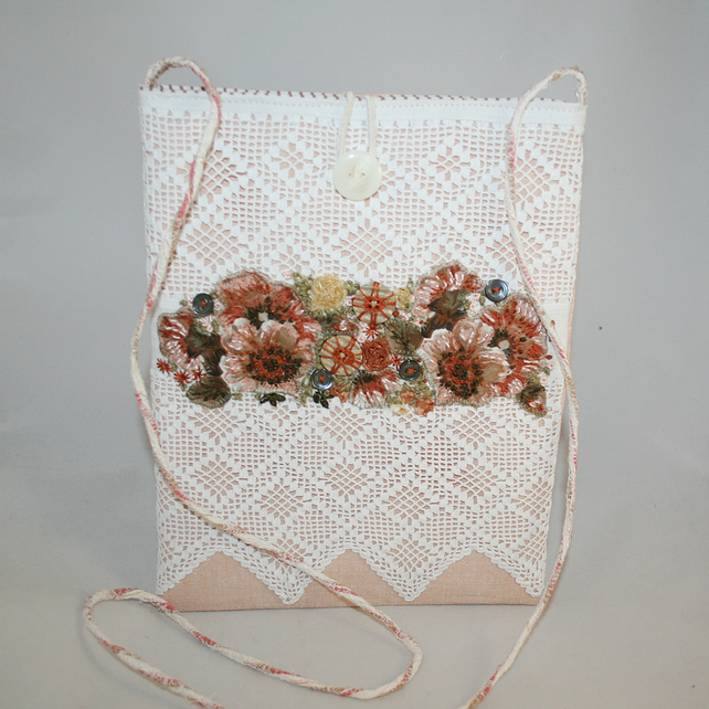 SALE Vintage lace embroidered bag