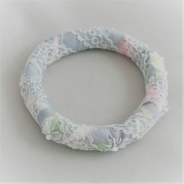 Embroidered Bangle grey and pastels with white daisies