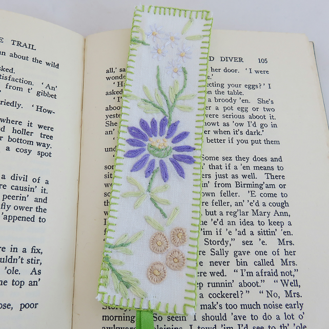 Embroidered Bookmark from vintage linen - purple daisy