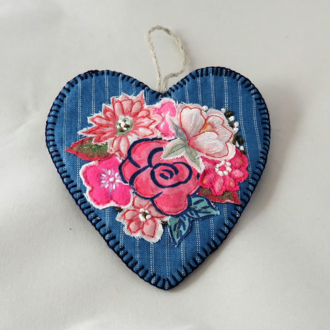 SALE Hanging Heart Red Posy on Blue