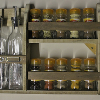 Spice & herb rack with 2 drizzle bottles