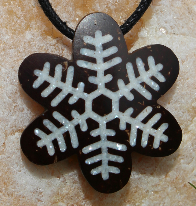 Snow Flake Coconut Shell Necklace Crushed Pearl Inlay Hand Carved Pendant