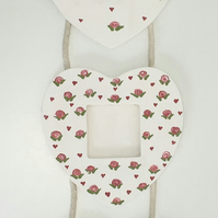 Trio of Heart-Shaped Photo Frames - Off-white & Roses