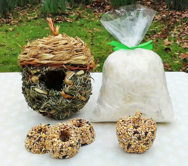 Garden Bird Nesting Kit - Easter Gift - Easter Decoration - Bird House - Spring