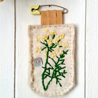 Brooch - Fennel - embroidered - diaper pin fastener