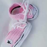 Hand crochet sparkly baby converse