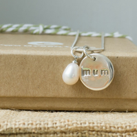 "Silver ""Mum"" Necklace with a Freshwater Pearl"