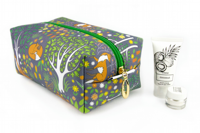 Large Makeup Bag In Exclusive Punto Belle Designed Fabric 'Foxes'