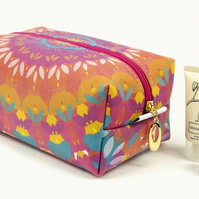 Large Makeup Bag In Exclusive Punto Belle Designed Fabric 'Harmony'