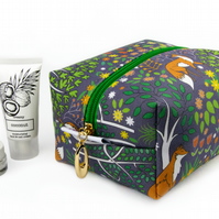 Medium Makeup Bag In Exclusive Punto Belle Designed Fabric 'Foxes'
