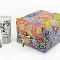 Medium Makeup Bag In Exclusive Punto Belle Designed Fabric 'Birds'