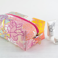 Large Makeup Bag In Exclusive Punto Belle Designed Fabric 'Ice Cream'