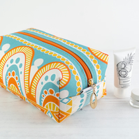 Large Makeup Bag In Exclusive Punto Belle Designed Fabric 'Honey'
