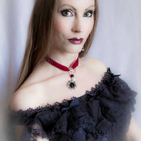 Elisabeth Velvet Choker Necklace with Black Onyx - Raspberry