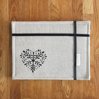 Set of four contemporary linen table mats