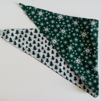 "Dog Bandana, med size, 16""-22"", neckerchief, Christmas,  snowflake, trees"