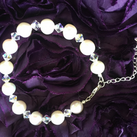 Freshwater Pearl and Swarovski Crystal Bracelet with Extender Chain -100FPD