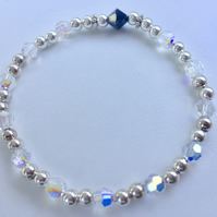 STERLING SILVER STRETCH BRACELET WITH SWAROVSKI CLEAR AND JET BEADS - 100SSK