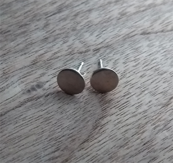 Hand Made Round Shaped Sterling Silver Stud Earrings in A Gift Box