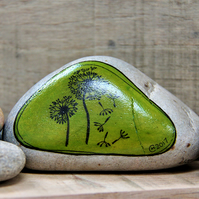 MP0403 - DANDELION CLOCKS on green - Hand Painted Pebble - Paperweight.