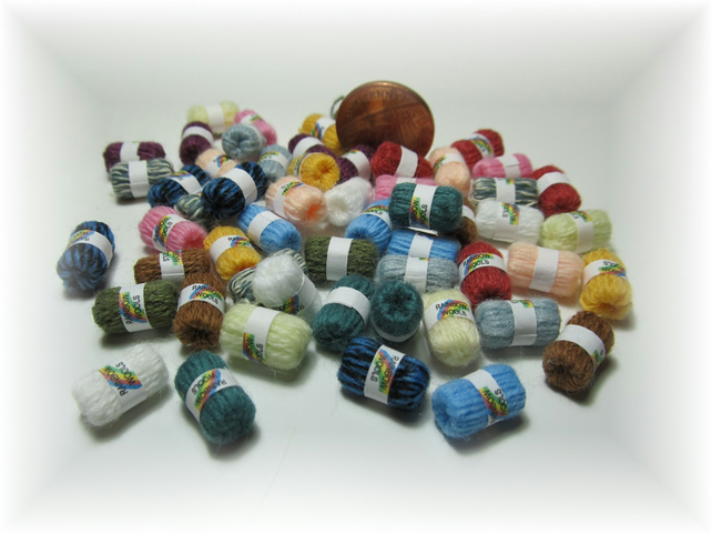 Dolls House 1:12th scale miniature balls of yarn PRICE REDUCED