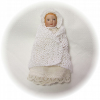 Dolls House 1:12th scale miniature baby shawl and bonnet, white