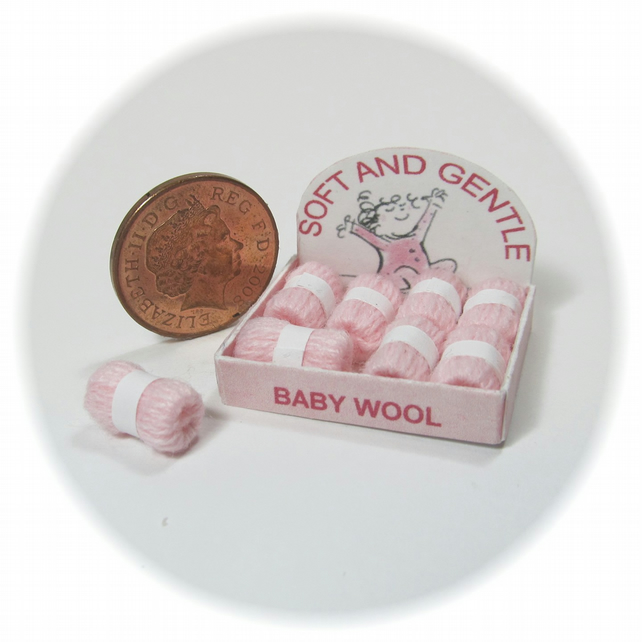 Dolls House 1:12th scale shop display box of wools, baby pink.
